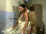 Ретро порнушка в грязном туалете