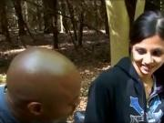 Негрила развел телку на улице