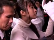 Пристал к молоденькой азиатке в автобусе