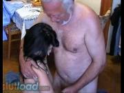Дед трахает внучку своим корявым торчком