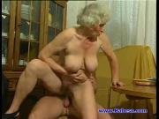Внук трахает свою бабушку зайдя в гости