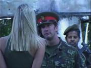 В армии ебут блонду толпой